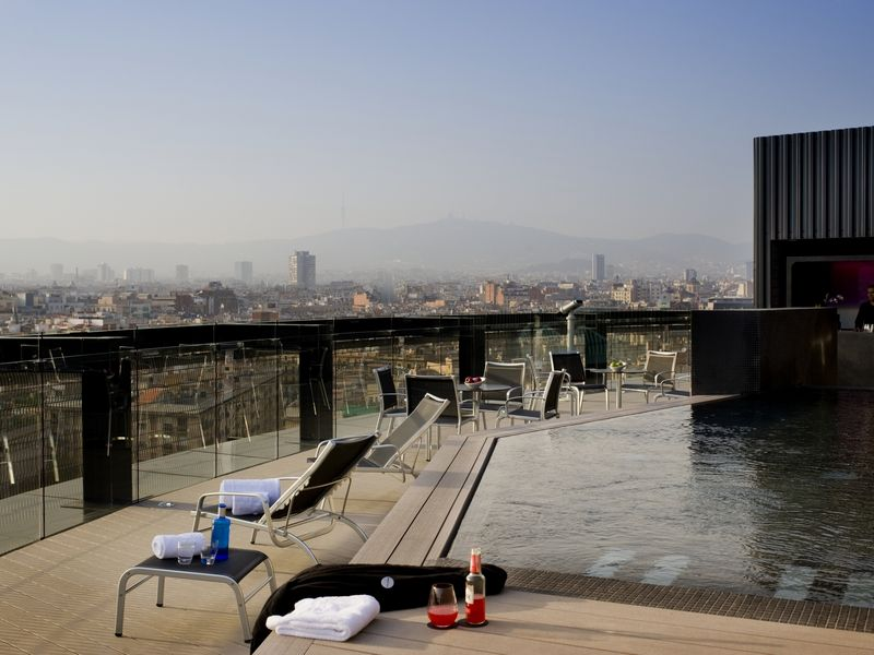 swimming-pool-terrace-2-hotel-barcelo-raval.jpg37-28870